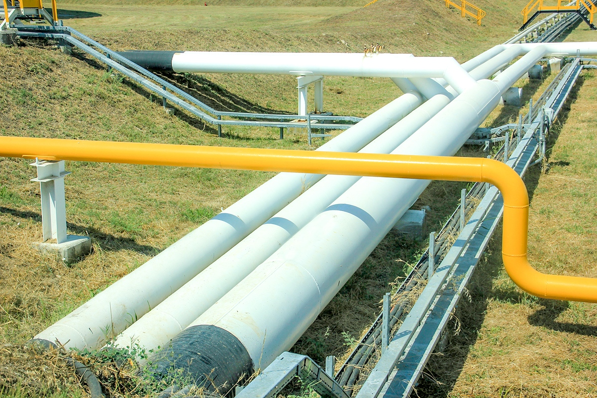 Oil pipelines are made from steel or plastic tubes which are usually buried.